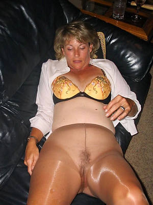 full-grown ladies in nylons gallery