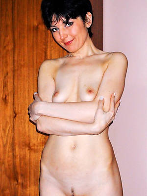 hot mature small tits exposed pics