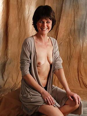 mature small titties porno pics
