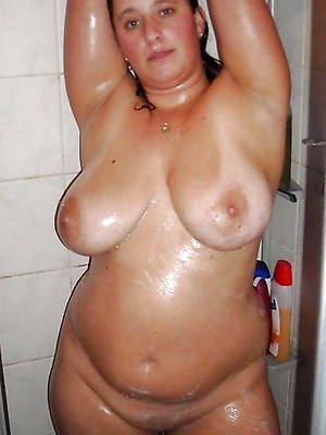 mature women helter-skelter the shower pics