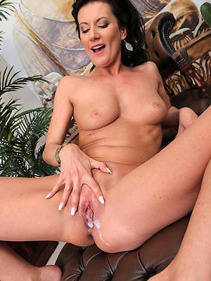 sexy naked mature milf creampie
