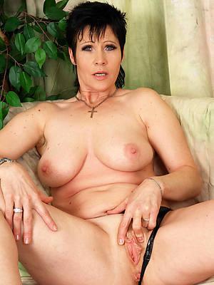 mature unlit nude pictures