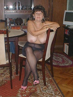 grown-up woman in pantyhose adult house pics