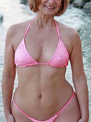 beautiful women in bikinis pics