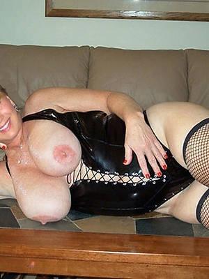 free porn pics of X mature in latex
