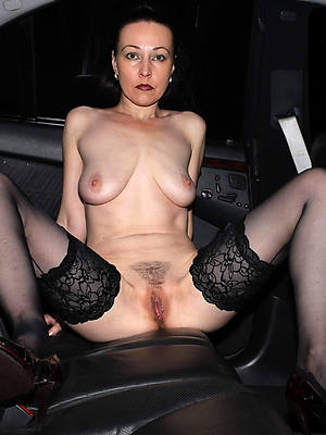hot sexy mature moms gallery