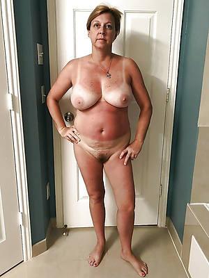 solo mature milf nude pics