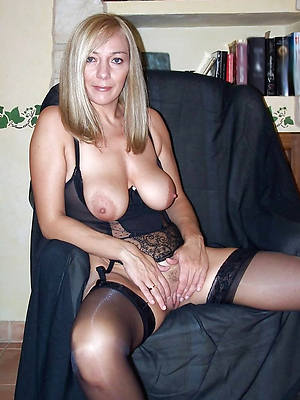 nude mature unescorted porn pics