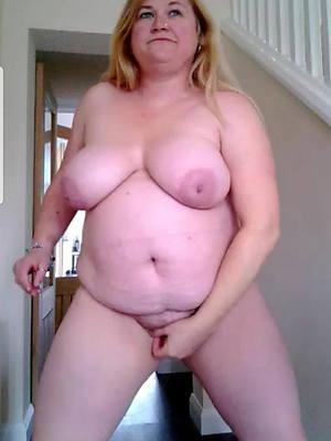 mature bbw ladies shows pussy