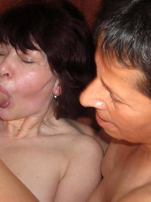 mould mature amatuer threesome