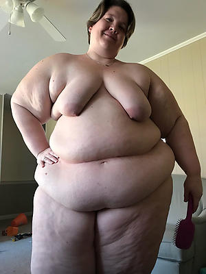 women with saggy boobs posing nude