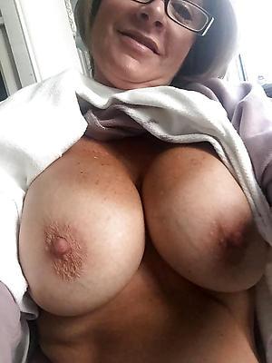 free pics of sexy selfies mature women