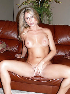 free mature solo pussy pic