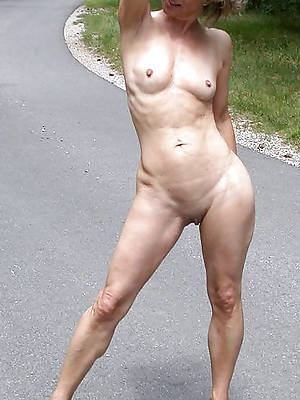 matures with small tits porno pictures