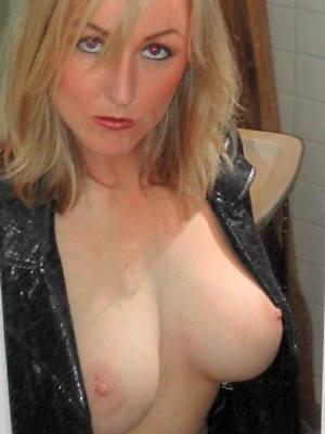 free amature 40 genre old mature nude pics