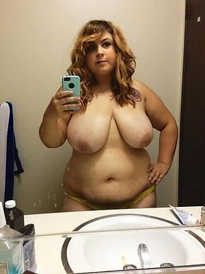 sexy naked mature beauty selfie