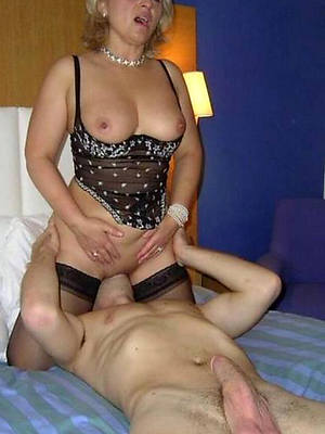 mature woman eating pussy adult porn