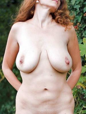 attractive nude amatuer mature wife