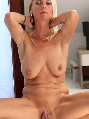 unconcealed mature vulva pics