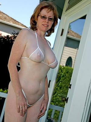 amature mature in bikini pics