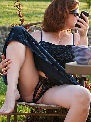 easy amature mature women non nude