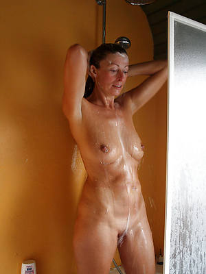 busty mature shower amature adult accommodation billet pics