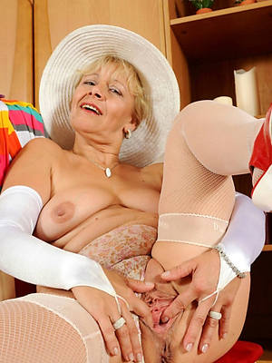 horny master-work mature nudes Bohemian pics