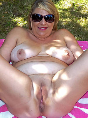 naked pics be useful to sex-mad mature vulva