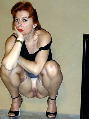 beautiful erotic mature lady