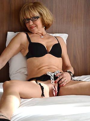 petite sexy horny matures nude pics