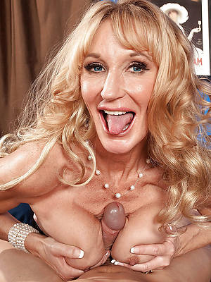 free amature mature titjob gallery