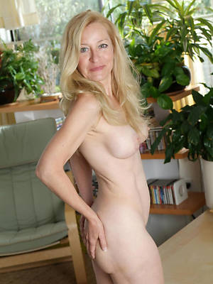 mature blonde babe amature adult home pics