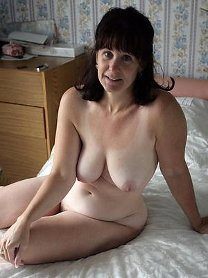 mature amateur solo displaying will not hear of pussy