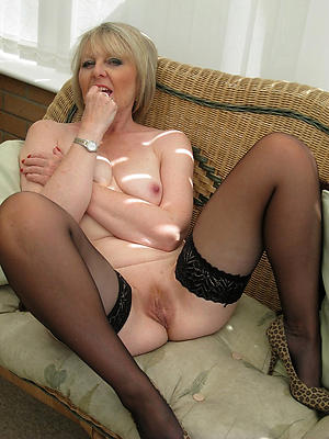 naughty mature shaved pics