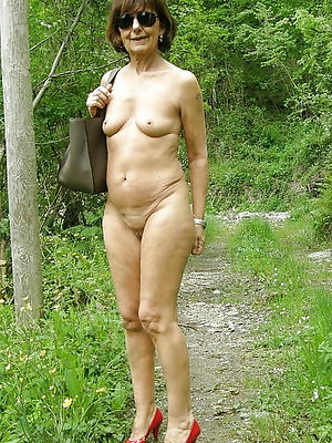 skinny nude mature be in love with porn