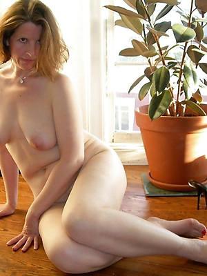 naturally nude mature white women porn pics