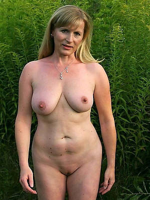 free amature mature white pussy nude pictures