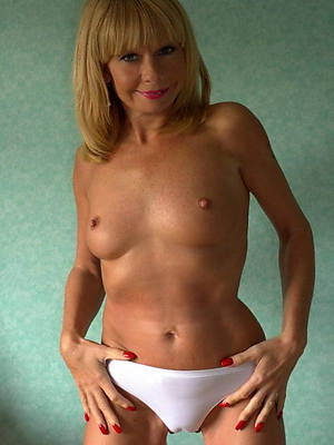 beautiful naked mature 40 plus