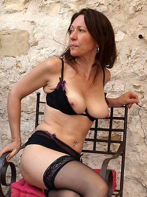 naked pics of mature british amateurs