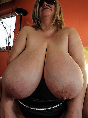 petite of age women with chubby interior