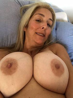 stark naked beauty mature selfie homemade pics