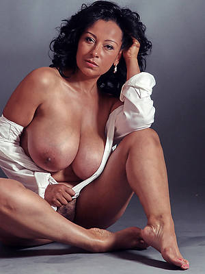 horny hot old women nude pics