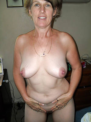 gorgeous glum mature whilom before girlfriend nude pictures