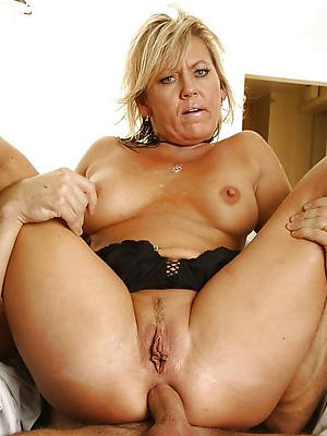 mature cougar anal descry thru