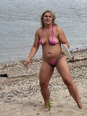 nasty mature women bikinis free pics