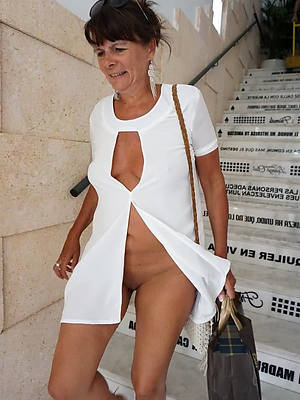 beautiful non nude mature column amateur pics