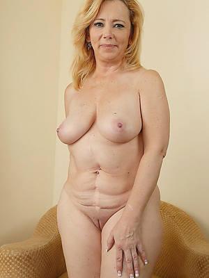 torrid mature low-spirited pussy pics