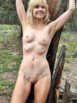 mature phthisic slut displaying her pussy