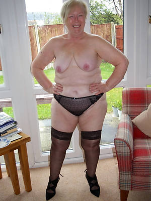petite nude hot mature grandma pics