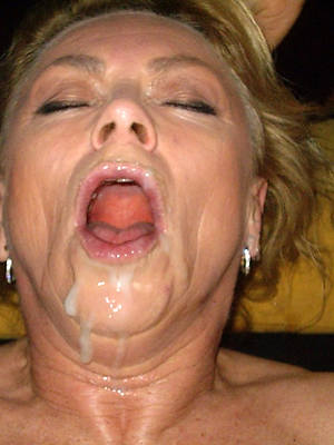 hot mature facials displaying her pussy